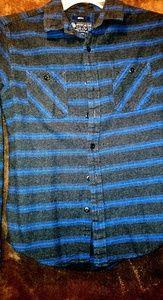 Young mens button up longsleeve shirt